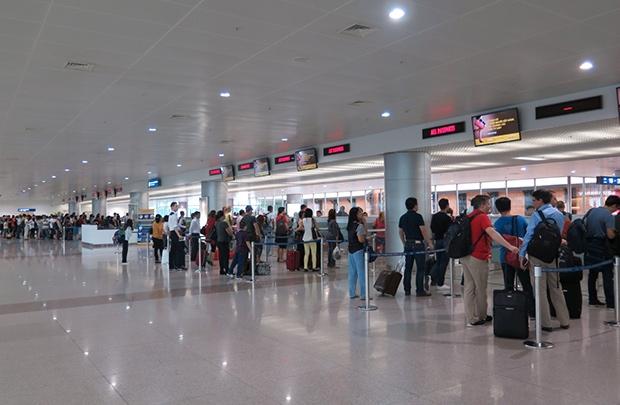 Xe đưa đón sân bay Tân Sơn Nhất đi quận 7