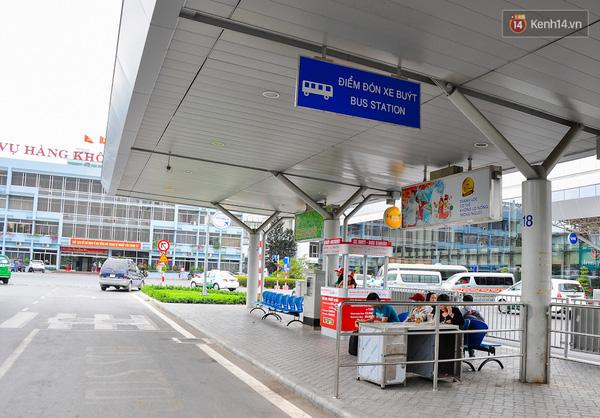 Xe đưa đón sân bay Tân Sơn Nhất đi huyện Bình Chánh