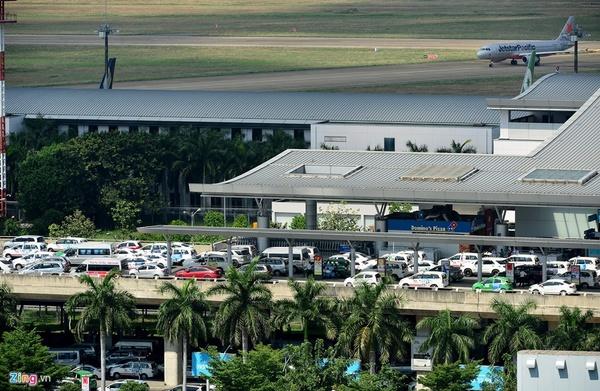 Xe đưa đón sân bay Tân Sơn Nhất đi quận 12