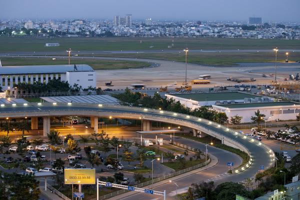 Xe đưa đón sân bay Tân Sơn Nhất đi quận Tân Phú